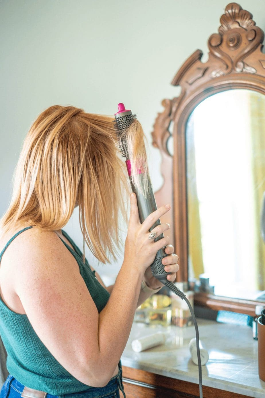 how to use dry shampoo