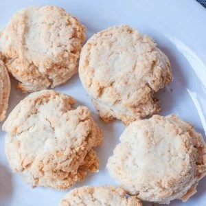 Cheezy Paleo Biscuits #whatsavvysaid #glutenfreedairyfree #paleobiscuits #veganbiscuits #nutritionalyeast