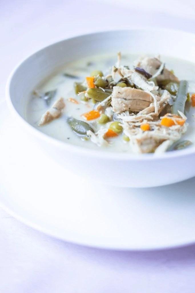 Instant Pot Chicken Pot Pie Soup #whatsavvysaid #paleorecipe #speedydinner #eatyourveggies #instantpotrecipe #grassrootscoop #pastureraisedmeat