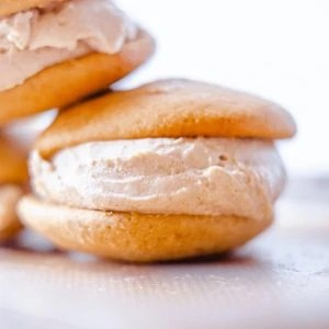 Paleo Pumpkin Spice Ice Cream Sandwiches #whatsavvysaid #paleorecipe #pumpkinspice