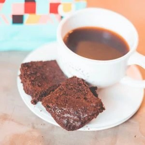 Coffee Pairing: How To Pick The Perfect Coffee For Your Dessert #whatsavvysaid #amavida #paleodessert #peppermintbrownie #decafcoffee