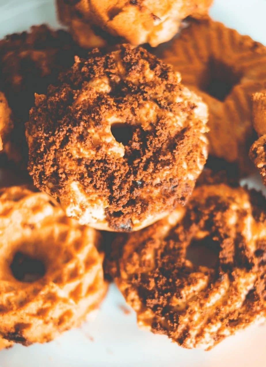 Paleo Coffee Cake Recipe - Easy, Healthy Coffee Cake Recipe That Is Gluten Free, Dairy Free & Refined Sugar Free #whatsavvysaid #paleobreakfast