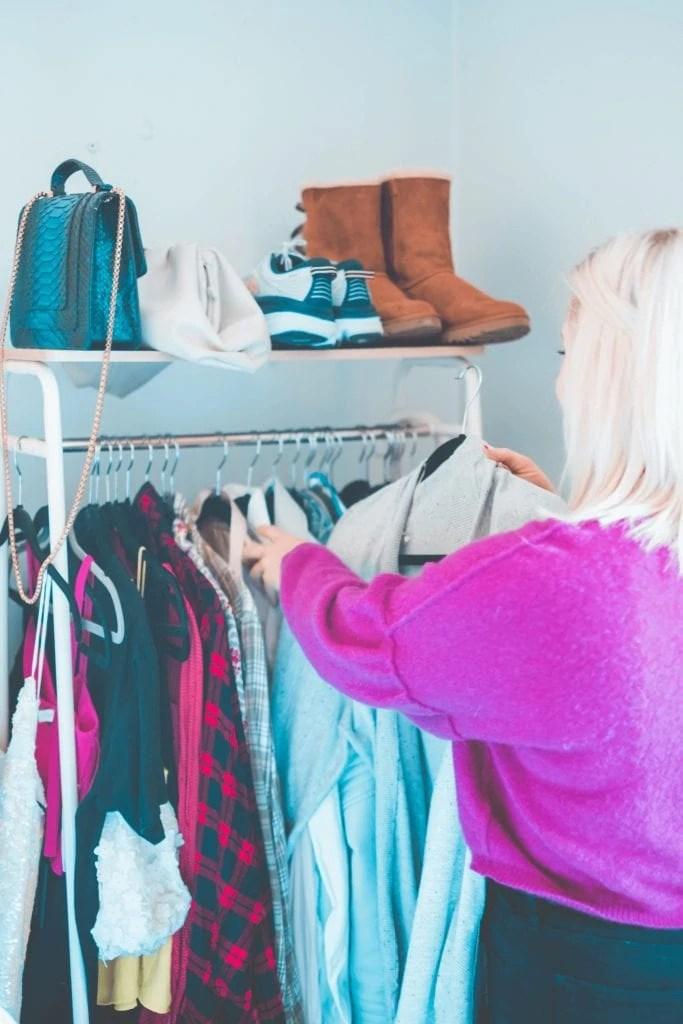 Poshmark Vs Thred Up- Which Consignment Store Is Better- #whatsavvysaid #poshmarkvsthredup #petitefashion #sustainablefashion #shopmystyle