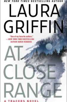 #BookReview At Close Range by Laura Griffin @Laura_Griff @Pocket_Books