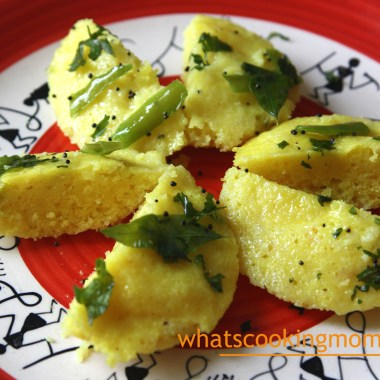 Suji Dhokla - semolina dhokla, vegetarian, breakfast, snack, kids school lunch box, tiffin ideas, Indian, Healthy