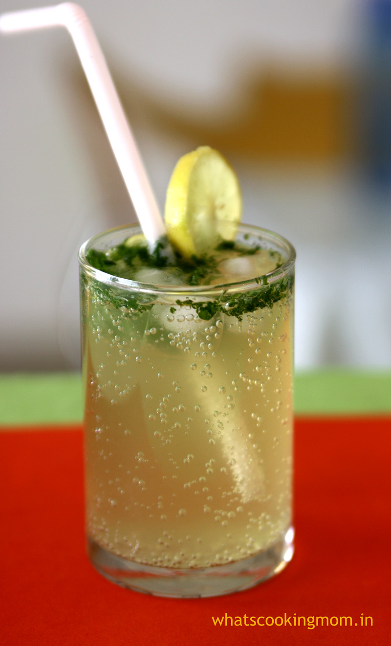 Virgin Mojito - minty, sweet and tangy refreshing mocktail