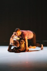2faced-dance-company-uk-performs-run-8