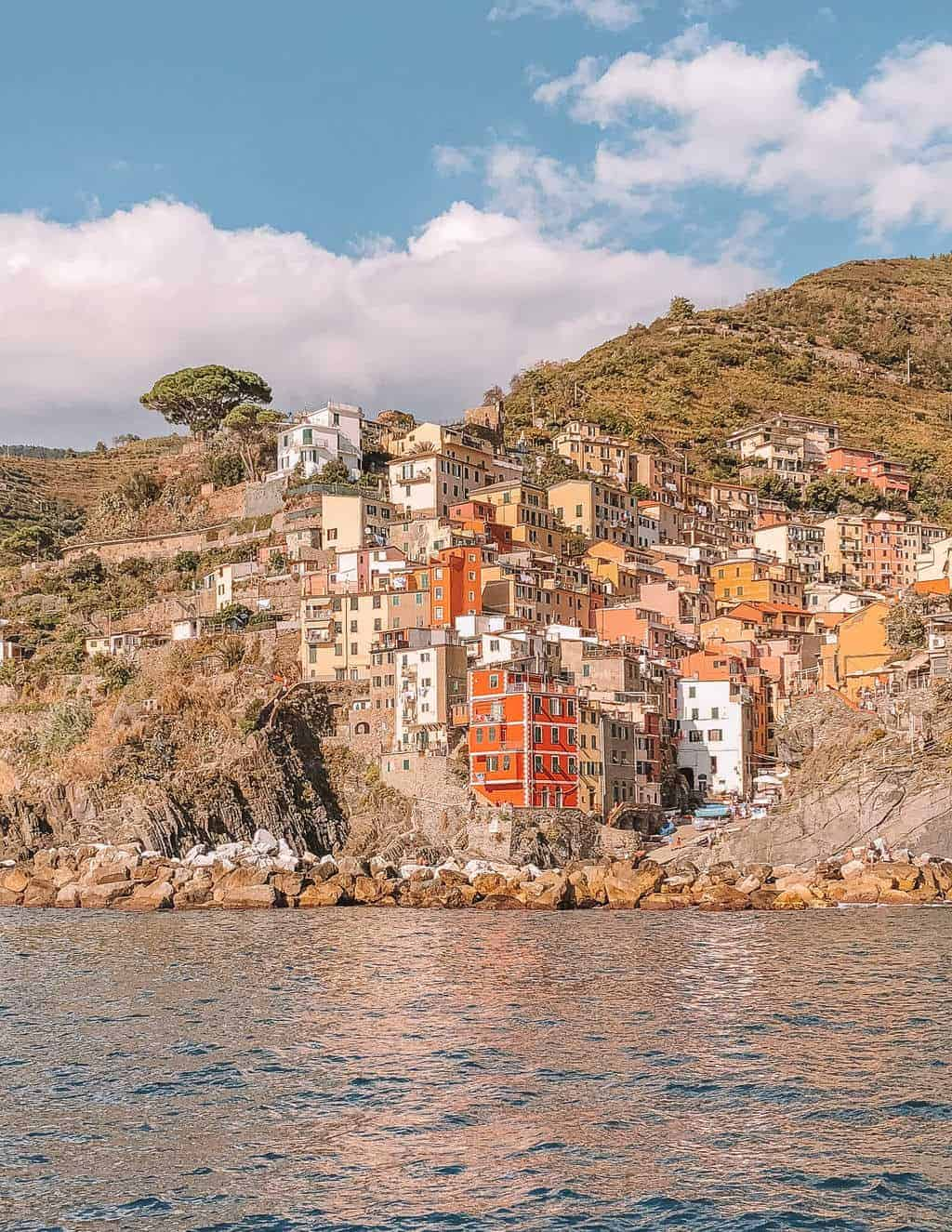 What to Do on a Day Trip to Cinque Terre from Florence #whatshotblog