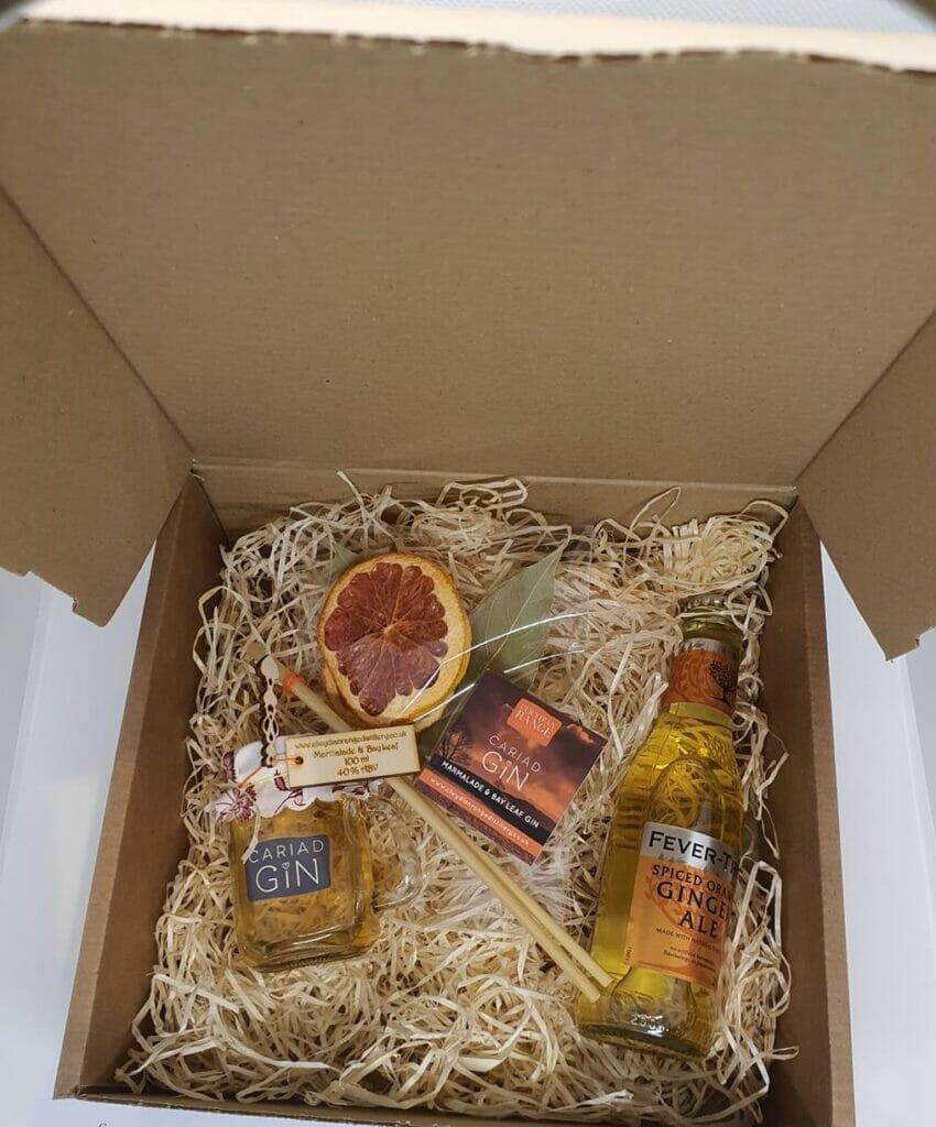 Cariad gin gift box