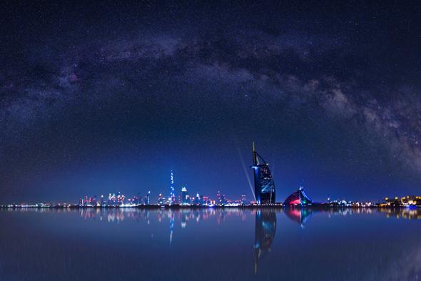 dubai-skyline-at-night
