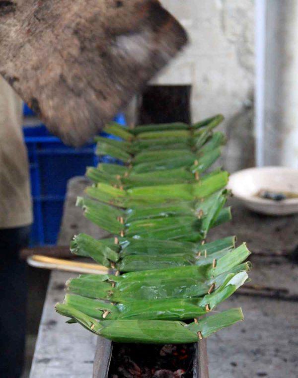 fish banana leaf