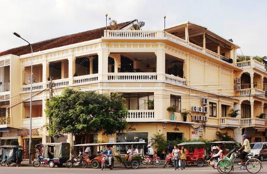fcc-phnom-penh-restaurant.jpg
