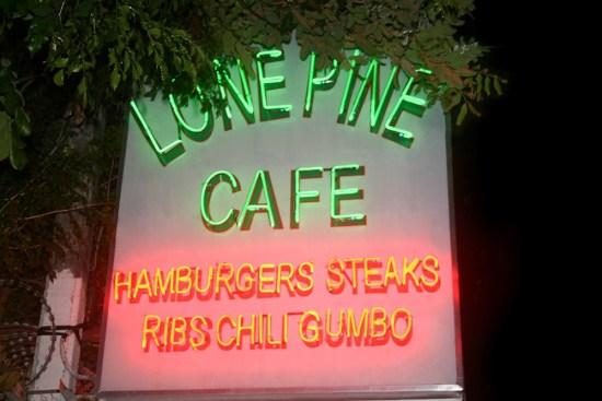 lone-pine-cafe-phnom-penh-IMG-5113.jpg