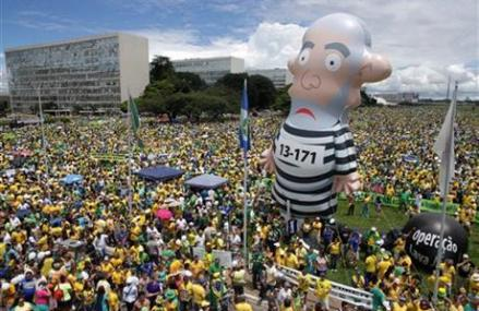 Brazil: Gov. regroups after huge protests against president