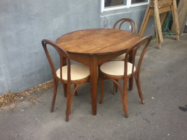 whats-up-newport-stephen-maher-antiques-2