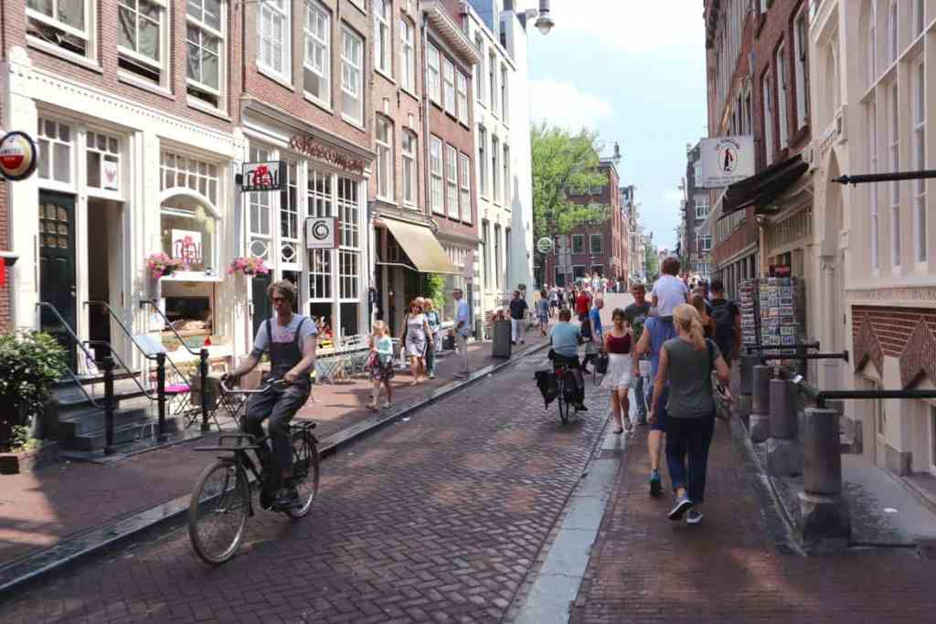 ideas for a romantic weekend in amsterdam