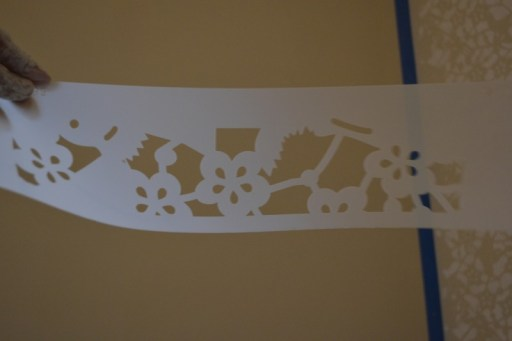 how to finish off the ceiling line of a wall stencil, stencil wall diy