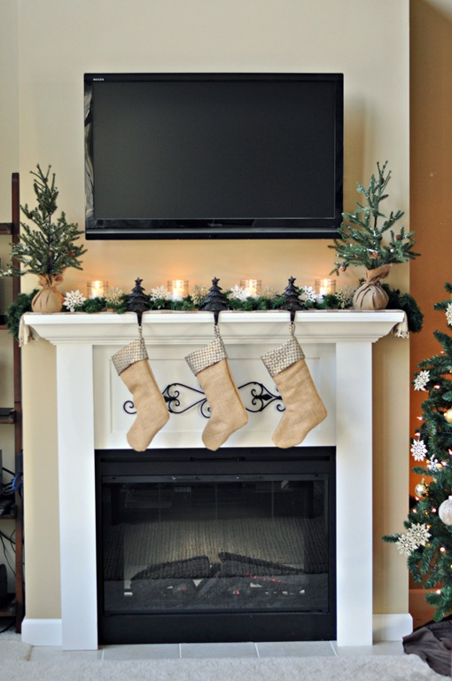 Easy christmas mantels whats ur home story - Decor above fireplace mantel ...
