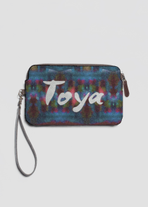 Toya leather clutch