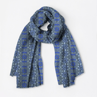 Azule-12 merino wool scarf