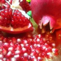 10 Amazing Nutritional Benefits of Pomegranate