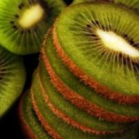 10 Amazing Nutritional Benefits of Kiwi Fruit