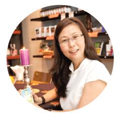 Adrienne Tan Tarot Reader