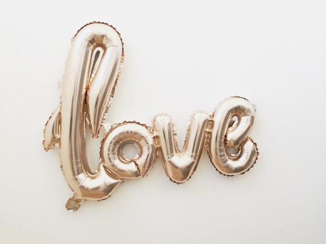 valentine's day taking a chance on love photo by mandy-von-stahl