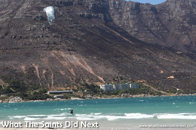 Kite surfing in Hout Bay