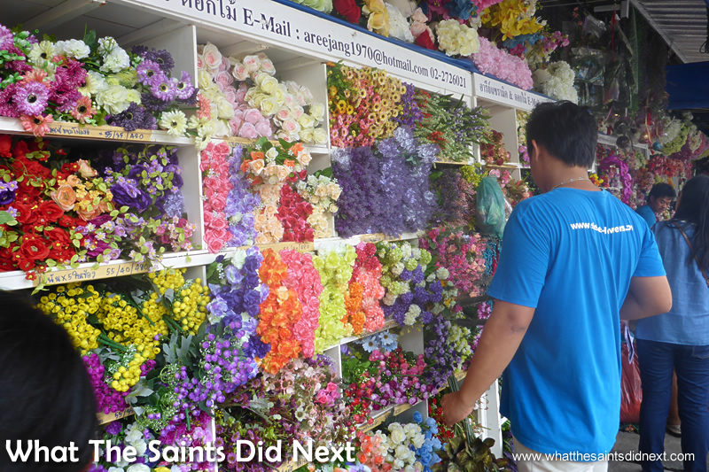 Silk flower market Bangkok – every type you could wish for is sold here.