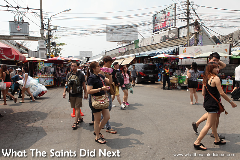 Bangkok shopping market - as chaotic as it looks there is plenty of method in the madness.