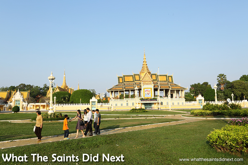 The other side of the Royal Palace Park. Our first time in Phnom Penh exploring the city.