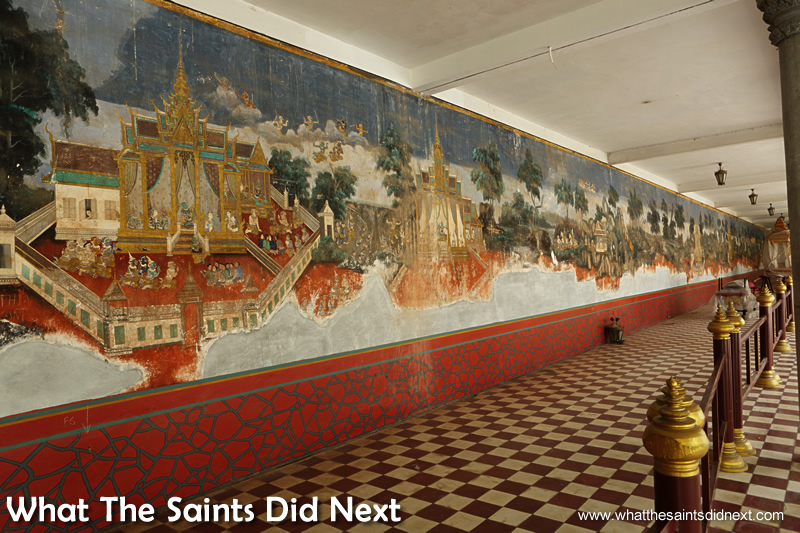 A must do in Phnom Penh Royal Palace is see the beautiful murals depicting stories from the Reamker. It is the Khmer version of classic Indian epic, the Ramayana and was painted 1903-1904.