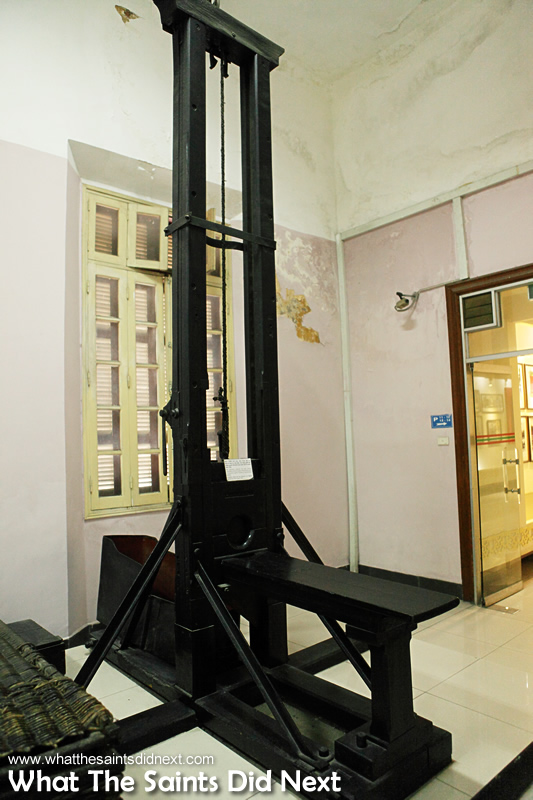 Guillotine: Used at Hoa Lo Prison, Hanoi by the French to execute many Vietnamese patriots during the period before Independence in 1945 AD - extracted text