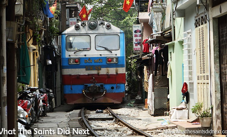 Right Click: Watch Amazing Train Track Running Through The Narrow Train Street In Hanoi