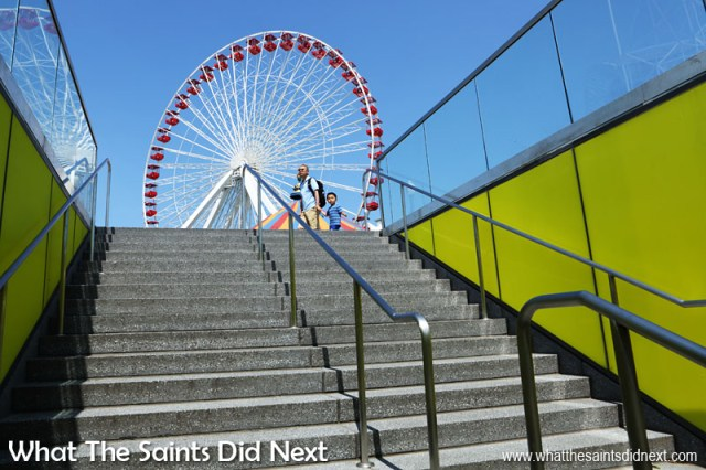 Interesting face - Chicago was the first city in the world to ever erect a ferris wheel. This one we found on Navy Pier.