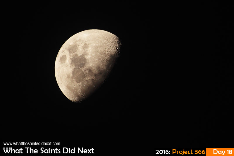 'Peake'<br /> 18 Jan 2016, 19:13 - 1/200, f/6.3, ISO-200<br /> The moon.