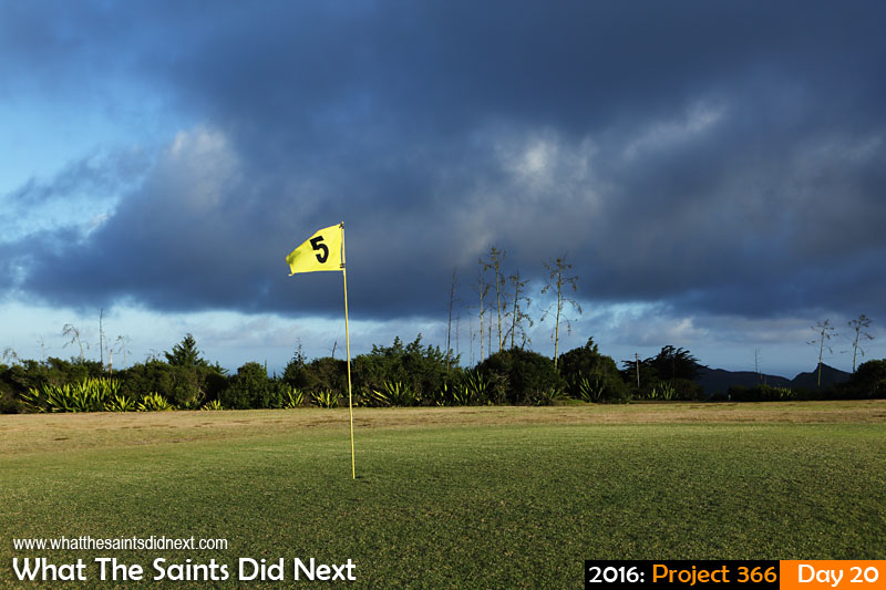 'The middle'<br /> 20 Jan 2016, 18:10 - 1/640, f/8, ISO-200<br /> Fifth green on the Longwood Golf Course.