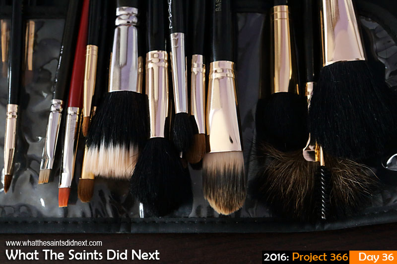 'Change of face'<br /> 5 Feb 2016, 10:04 - 1/60, f/8, ISO-1000<br /> Make up brushes.