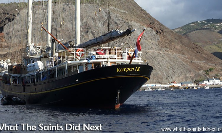 Gulden Leeuw at St Helena With Class Afloat