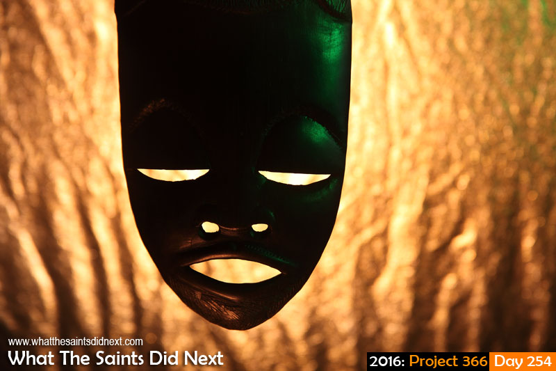 'Pep talk'<br /> 10 September, 2016, 16:49 - 1/125, f6.3, ISO-100<br /> Wood carved face mask.