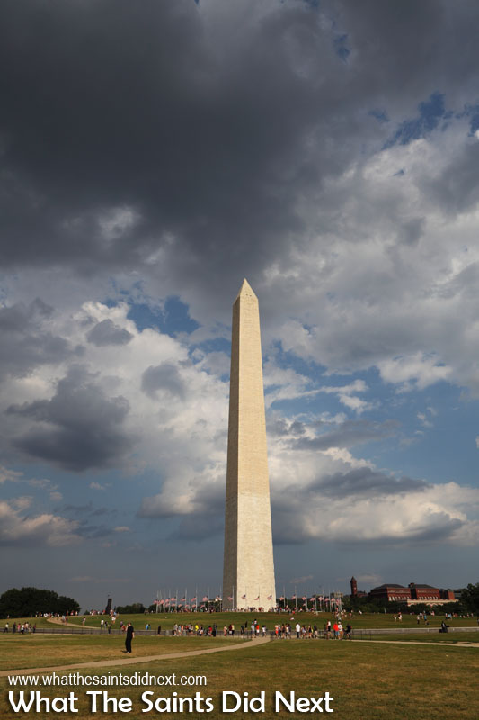 2 The Washington Monument. 10 Things to do in Washington DC. A tribute to America's first president, George Washington, the Washington Monument is the city's tallest structure as well as the world's tallest stone structure. The obelisk stands 555ft, 5in high and contains 50 flights of stairs. It took a century to plan and build resulting in two different shades of unmatched stone.