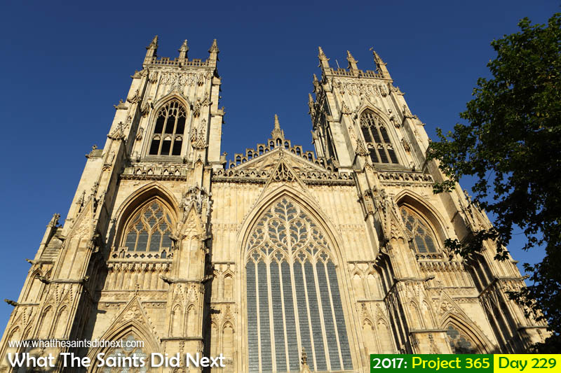 'Las Ramblas'<br /> 17 August, 2017, 19:02 - 1/640, f8, ISO-200<br /> The Cathedral and Metropolitical Church of Saint Peter in York, known as York Minster.