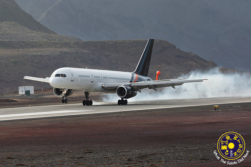 Boeing 757-200 Lands on St Helena