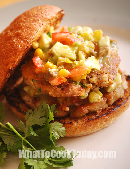 DOUBLE TUNA BURGERS WITH AVOCADO AND CORN