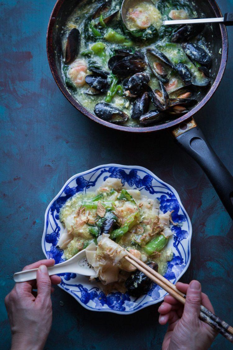 Kwe Tiau Siram (Flat Noodles in Egg Gravy / Wat Tan Hor) #noodles #ricenoodles