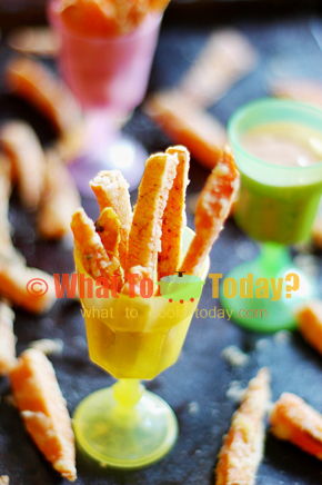 BAKED SWEET POTATO FRIES WITH SPICY CORIANDER DIPPING SAUCE