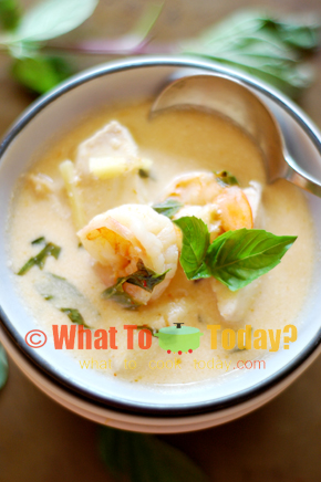 FISH AND SHRIMP SOUP WITH BASIL AND LEMON