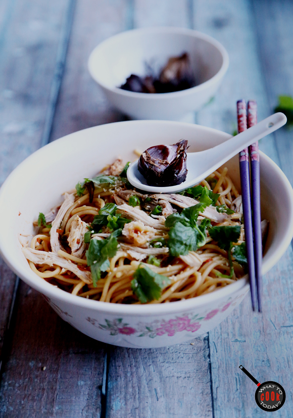 SPICY AND TANGY NOODLE WITH BLACK GARLIC