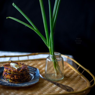 Crispy scallion sesame hash brown